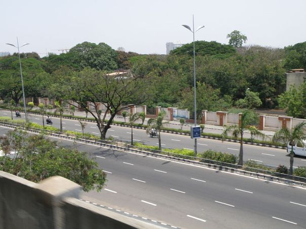 800px-Old_Mahabalipuram_Road,_Chennai,_from_MRTS