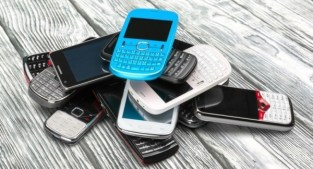 MoneyMagpie_Old-Mobile-Phones-Gadgets-Techinology-Recycle-e1481820372783